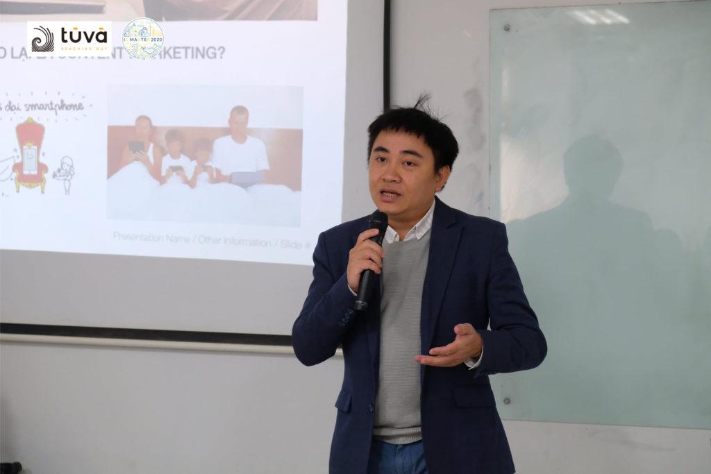 Anh Đinh Trần Tuấn Linh - Founder của TUVA Communication với tư cách diễn giả tại buổi training cho TOP 4 đội thi chương trình Cuộc thi Nhà truyền thông tài ba - IC Master 2020
